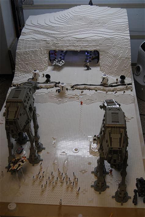 60,000-Piece Lego Star Wars Hoth Diorama Features LEDs