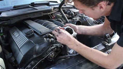 Replacing the Thermostat on BMW E36 328i - YouTube