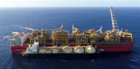 Shell's Massive Prelude FLNG Goes 'Live' Off Western